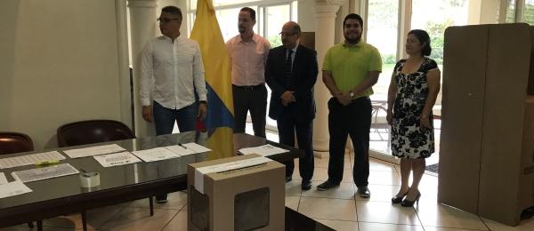Consulado de Colombia en San Salvador dio apertura oficial a las elecciones en el exterior para Presidente y Vicepresidente de la República